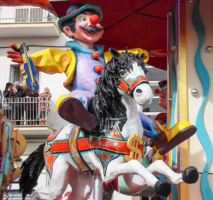 Carnevale di Manfredonia ze peppe - Travel Free From