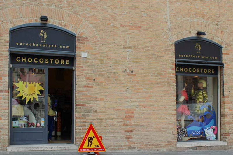 Perugia da scoprire choco store - Travel Free From