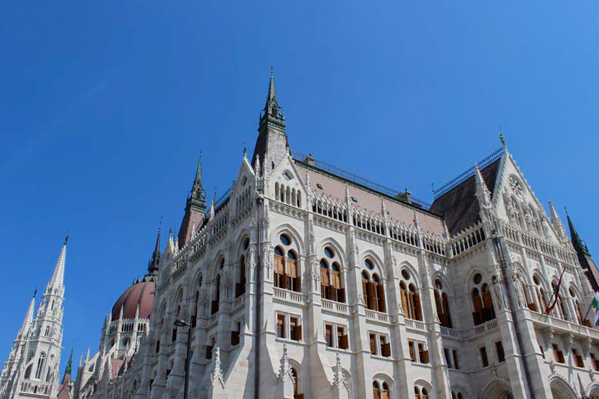 Parlamento ungherese angolo - Travel Free From