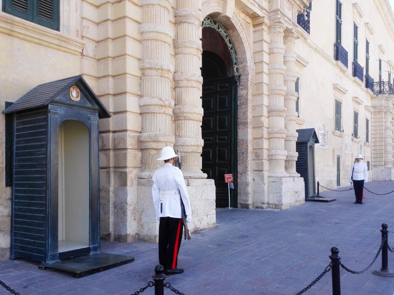 Valletta cambio guardia - Travel Free From