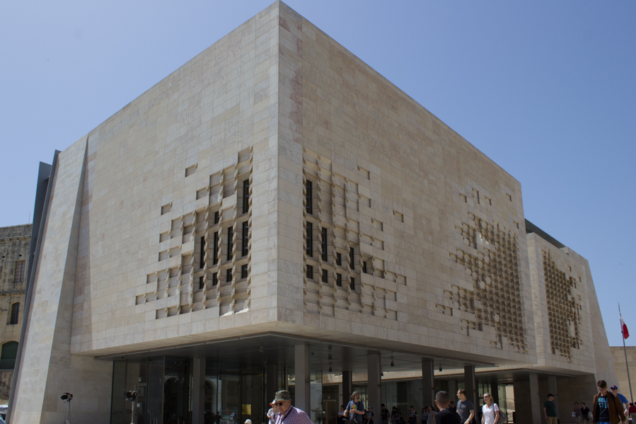 Valletta parlamento 4 - Travel Free From
