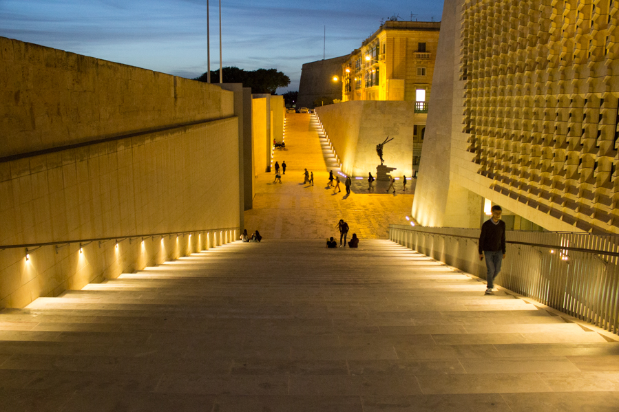 Valletta parlamento 2 - Travel Free From