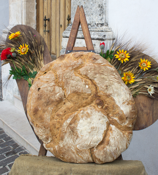 Monte Sant'Angelo-pane-Travel-Free-From