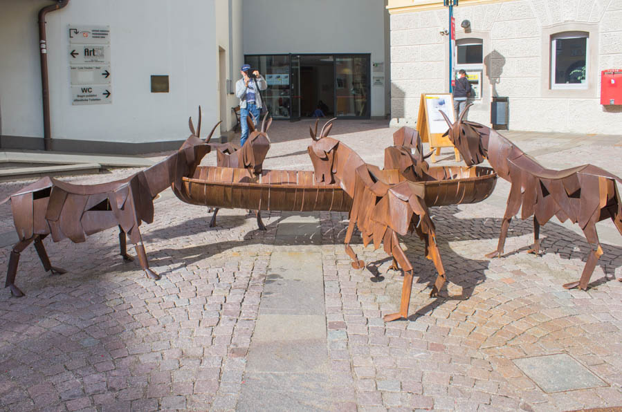 Ortisei a Natale sculture - Travel Free From