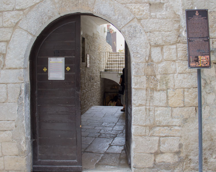 Trani da scoprire chiesa san martino - Travel Free From