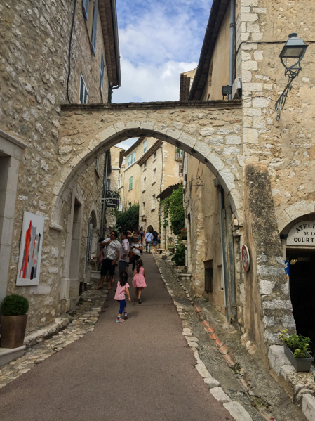 Arco Saint Paul de Vence - Travel Free From