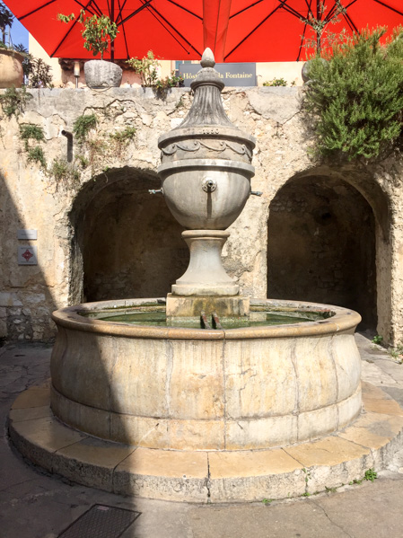 Fontana a Saint Paul de Vence - Travel Free From